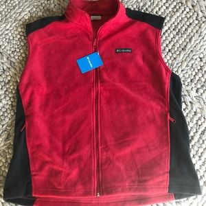 Columbia NWT red and black fleece vest